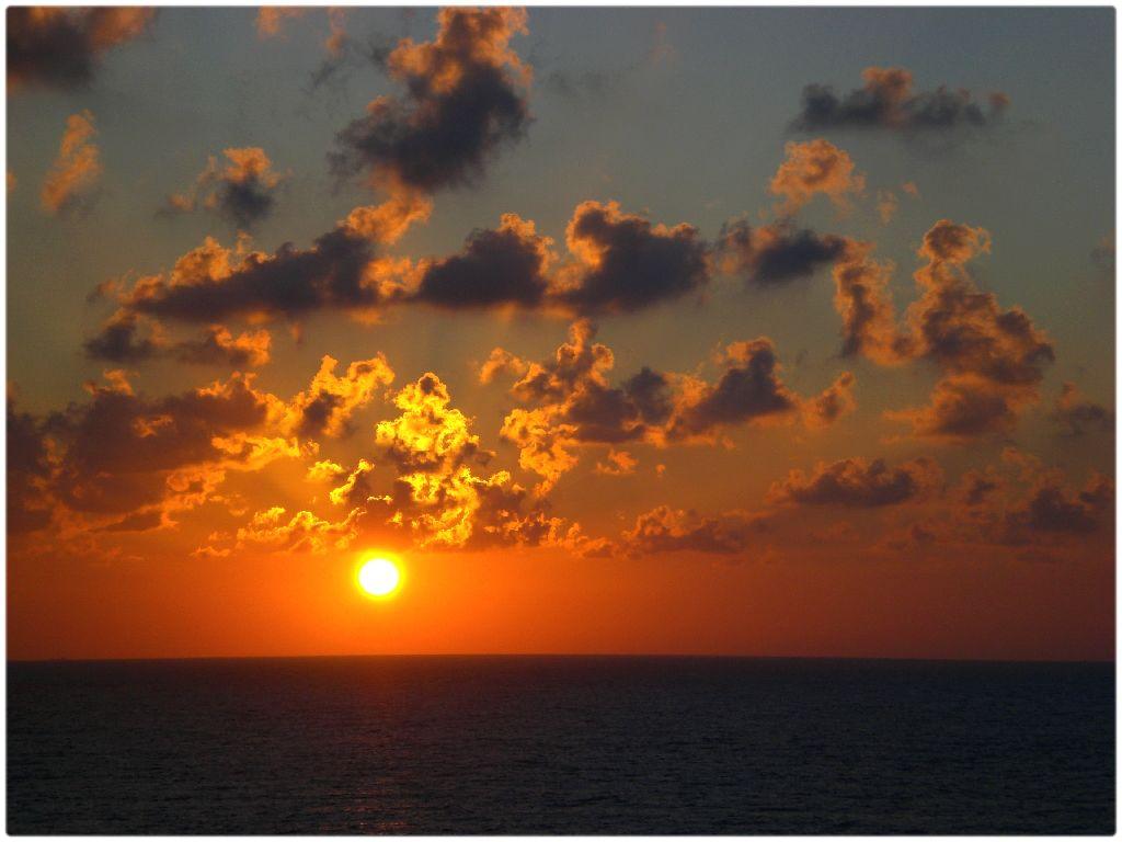 limassol_xl_sunset3l.jpg