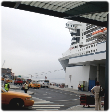 qm2-brooklyn-cruise-terminal3l.jpg