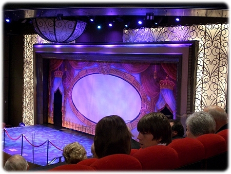 qm2-royal-court-theatre-3l.jpg