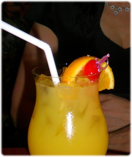 qm2-butterfly-cocktail-3l.jpg