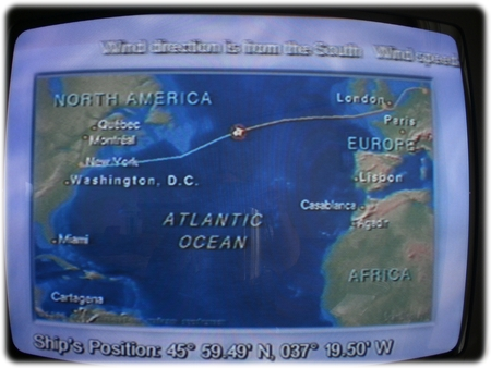 qm2-halfway-over-the-atlantic-ocean-3l.jpg
