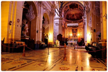Indenfor i Victoria Notre Dame
